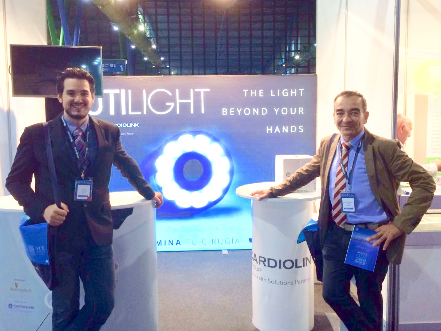 Drs. Navinés and Julian presenting Rutilight
